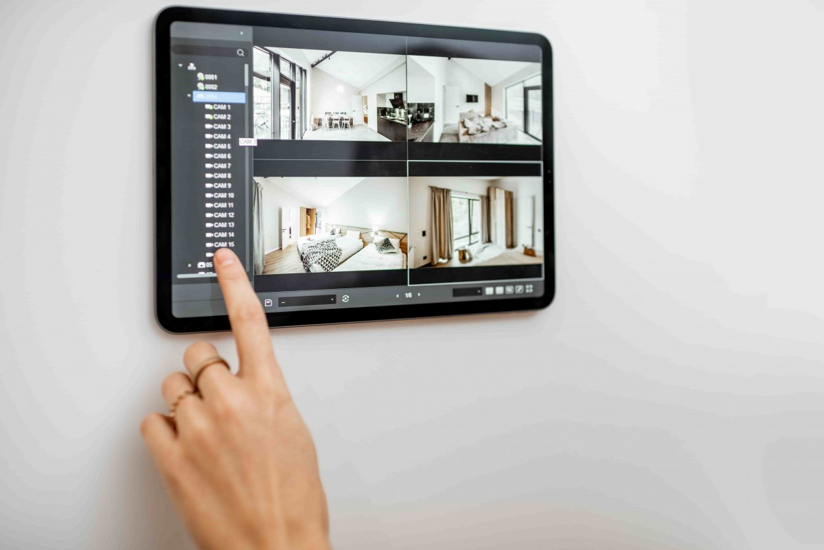 videosurveillance maison tablette murale