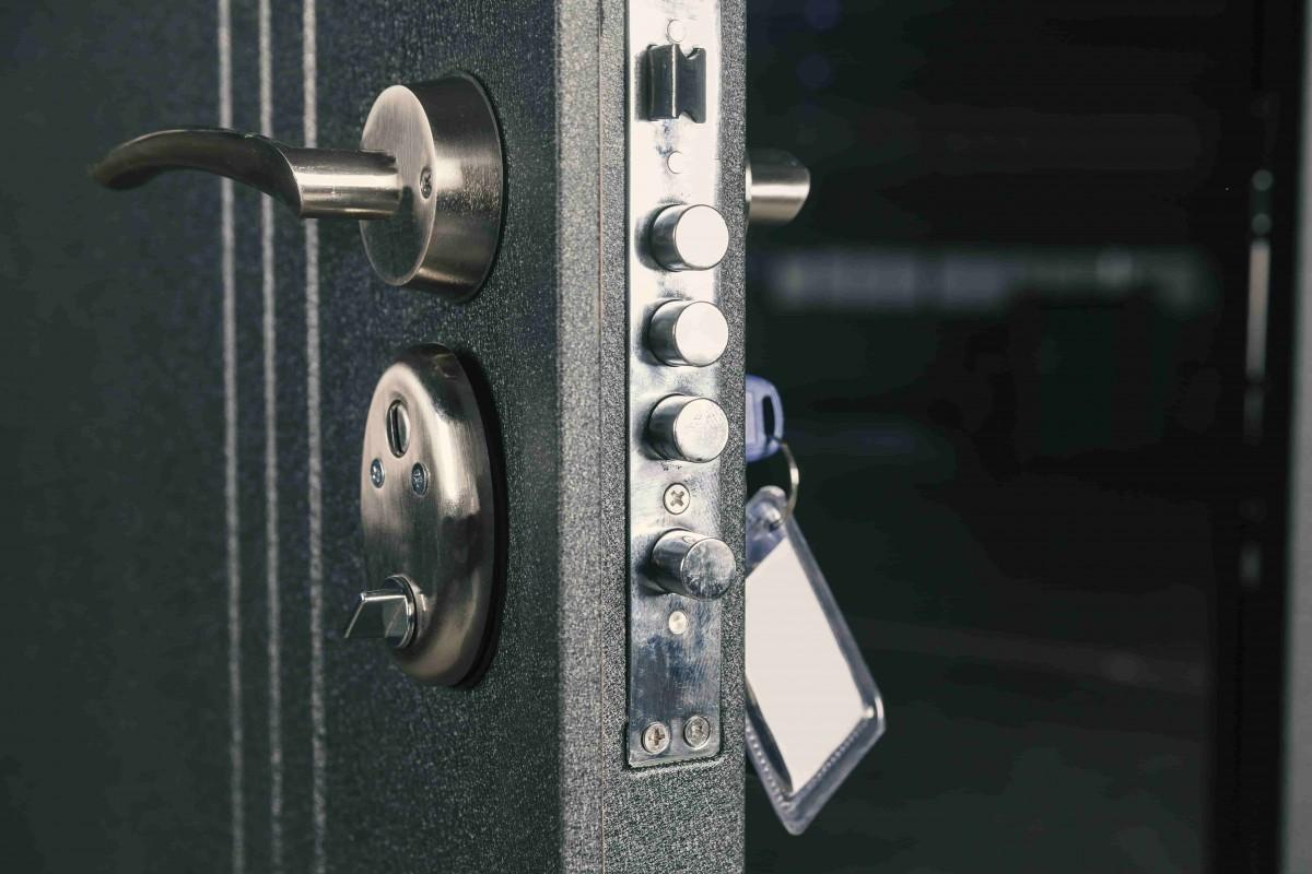 Sécuriser des locaux avec une porte blindée